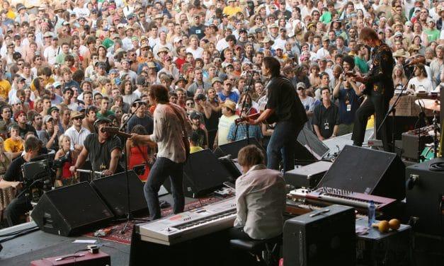 Wilco Plays Massive Crowd In Manchester TN, Bonnaroo 2007